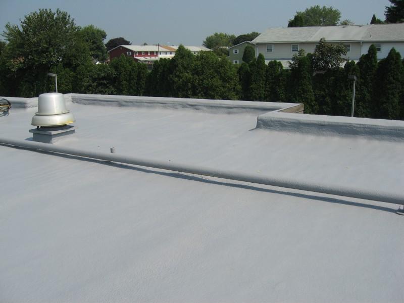 крыша с нанесенной гидроизоляцией